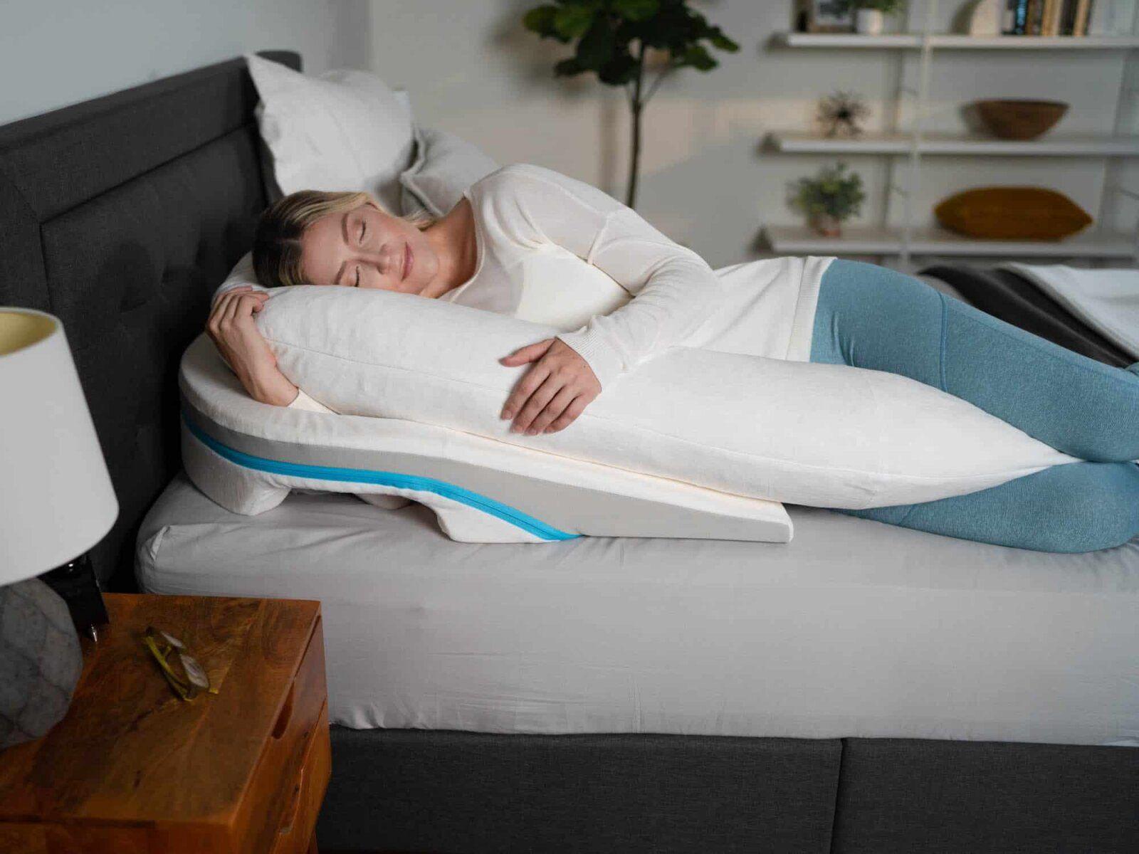 pillow between legs for sleeping
